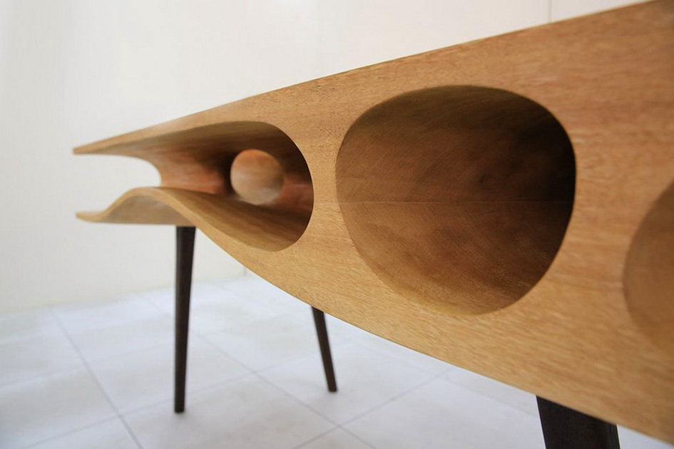 Творение Хао Руана - это один из случаев, когда мебель проектируется с учетом интересов как людей, так и домашних животных.