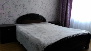 Продаю кровать, тумбочки и зеркало БУ в Минске