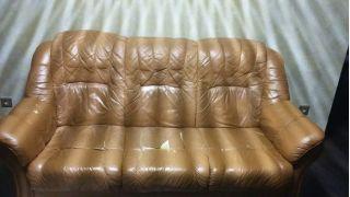 Продам комплект мягкой мебели из кожи БУ в Минске