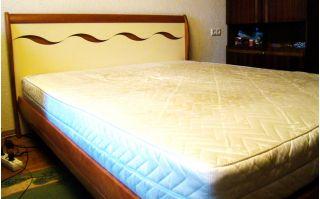 Продам кровать с матрасом в Минске БУ