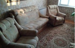 Продается мягкая мебель: диван и кресла БУ в Бресте