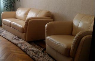Продаю кожаный диван с креслом БУ в Минске