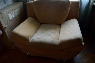 Продаю диван и кресло Эйфель в хорошем состоянии