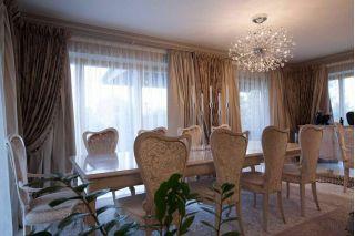 Меняю комплект из стола и стульев Италия на RAV-4 в Минске