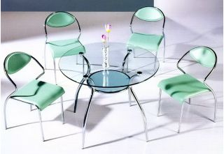 Мебель из стекла и зеркал: все «за» и «против»