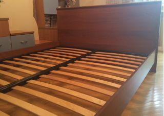 Продам кровать двухспальную без матраса БУ в Минске