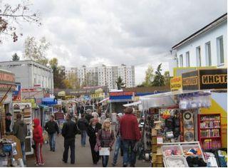 Магазин Лагуна на стройрынке Уручье в Минске, AMI Мебель (Торговый дом Лагуна), Беларусь