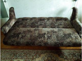 Продам диван подранный котом БУ в Минске