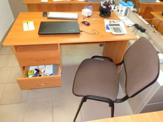 Продаю комплект офисной мебели бу