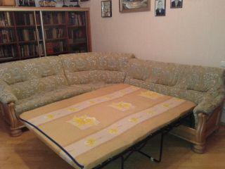 Продаю угловой диван раскладываемый БУ в Минске