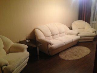 Продаю бу мебель - мягкий угол, кухню, спальню, секцию, компьютерный стол