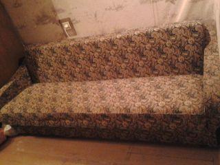 Продам диван зеленый БУ в Минске