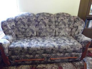 Продам велюровый диван БУ в Минске