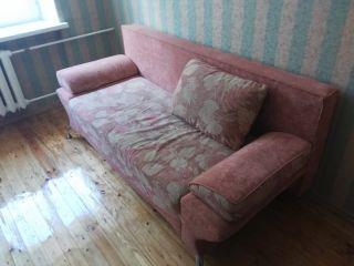Продам диван красный в хорошем состоянии БУ в Минске