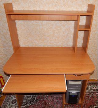 Продаю стол компьютерный БУ в Минске