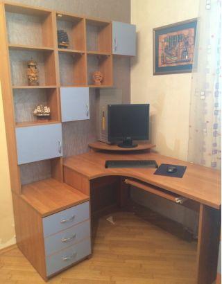 Продам стол, полки, тумбу и комод БУ в Минске