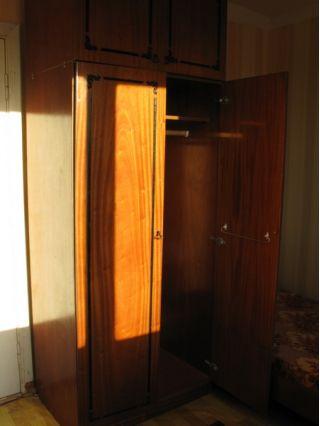 Продам двух и трех-створчатые шкафы БУ в Минске