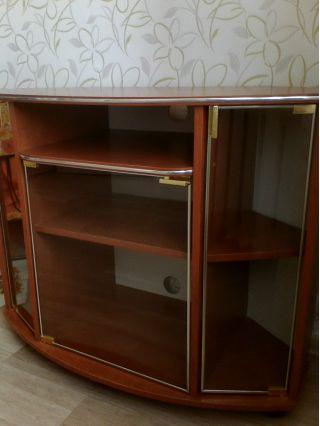 Продаю тумбу под ТВ яблоня БУ в Минске