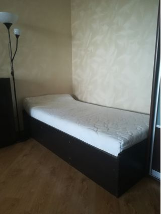 Продаю кровать с матрасом БУ в Минске