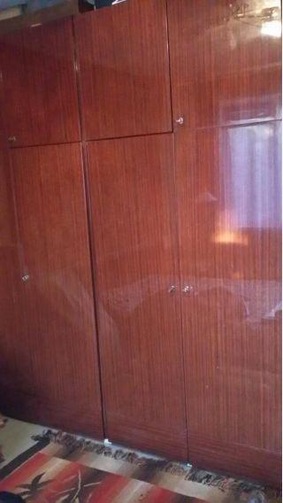 Продам два шкафа с антрелосью БУ в Минске