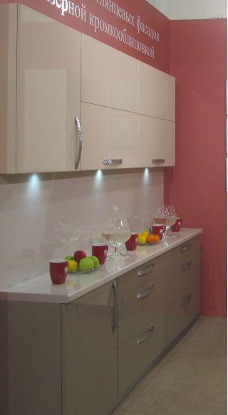 Продам кухню с глянцевыми фасадами в Минске